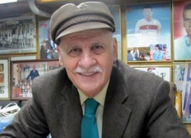 Ahmet Suat Özyazıcı